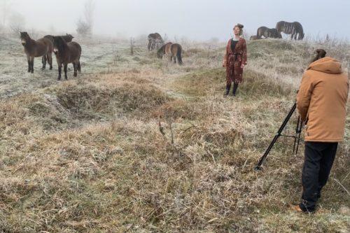 V rezervaci divokých koní dnes zazněl soul, zpěvačka Ešli natáčela klip k prvnímu albu